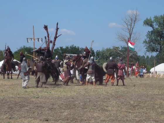 A páncélos gyalogosok és a lovasnomádok összecsapása az Ősök Napján