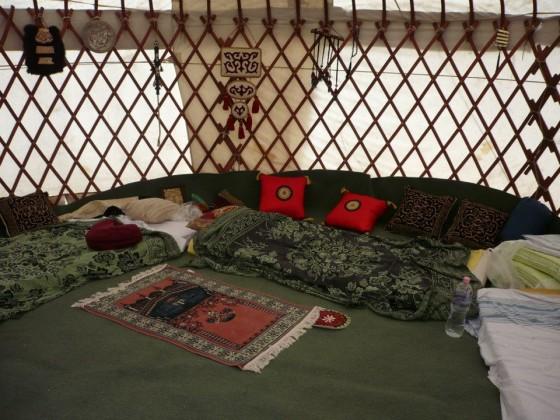 Kurultaj - jurta belülről